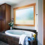 JwBMV GEO Textured Glass Bathtub Angled IB